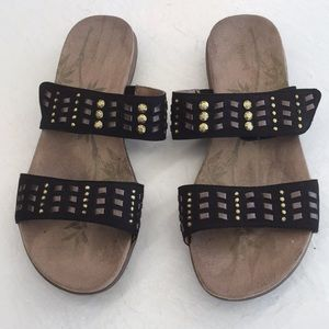 Easy Spirit sandals. Black leather straps. Size 9